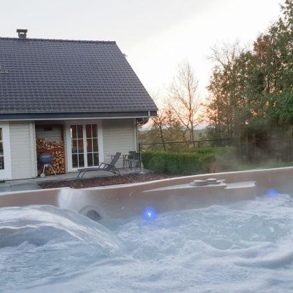 Faro Durbuy suites luxe vakantiewoning met zwembad, sauna en jacuzzi